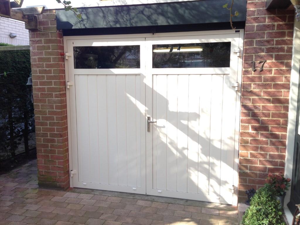 Openslaande deuren met verticale panelen different doors - Deur kast garagedeur ...